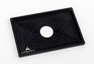 Universal sample adapter for manual imaging